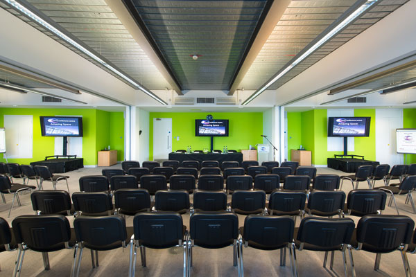 Seminar rooms near Woodford